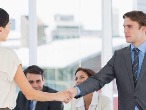 Как нанять сотрудника, если для должности есть ограничения